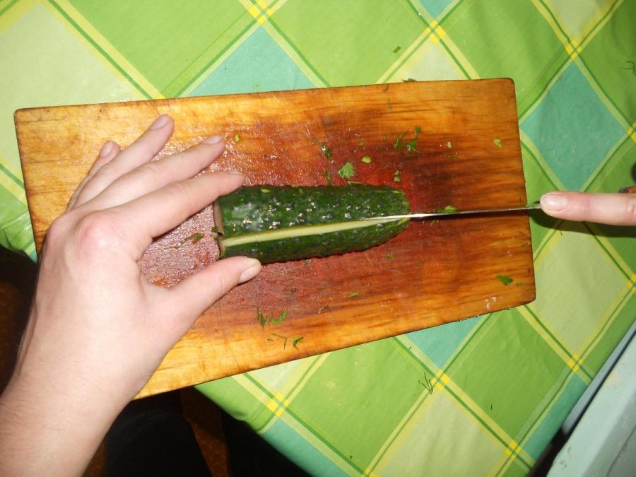 Cалат к шашлыку из свинины - фото шаг 2