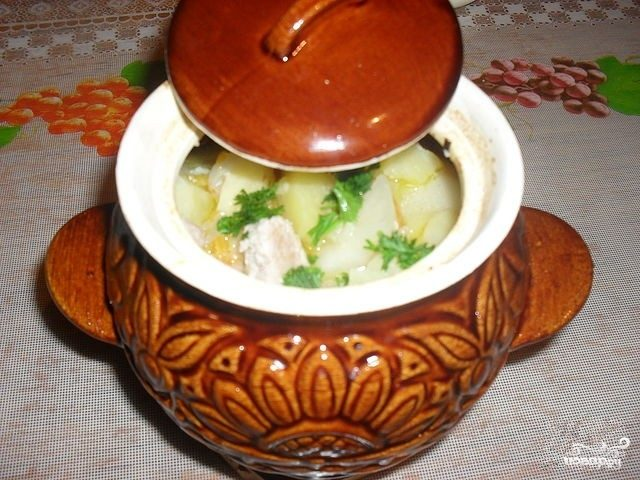 Рецепт Картошка в горшочках с колбасками