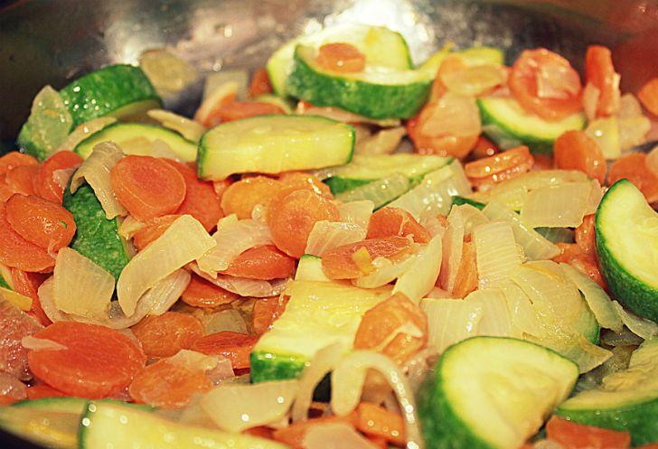 Рис с кабачками и курицей - фото шаг 2