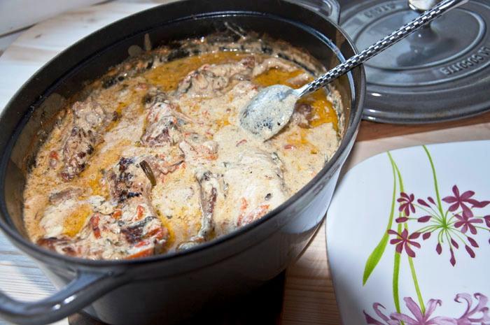 Кролик в сметанно-чесночном соусе - фото шаг 4