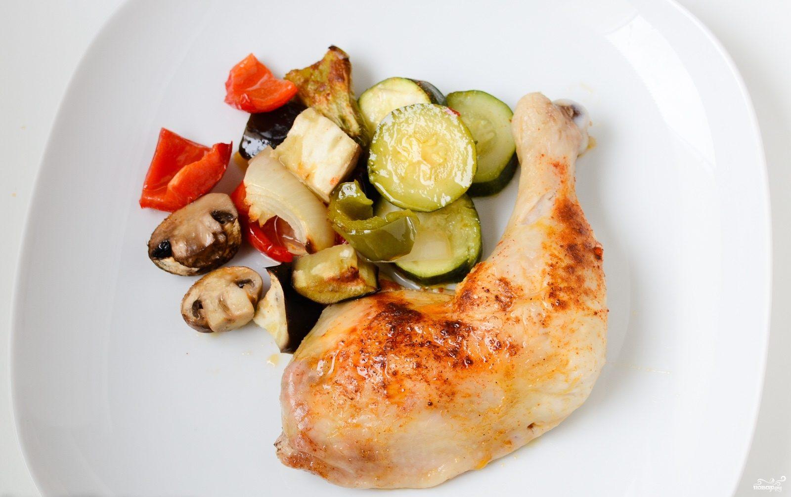 Курица, запеченная с овощами в духовке