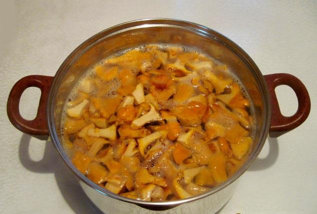 Рецепт Маринованные лисички с корицей
