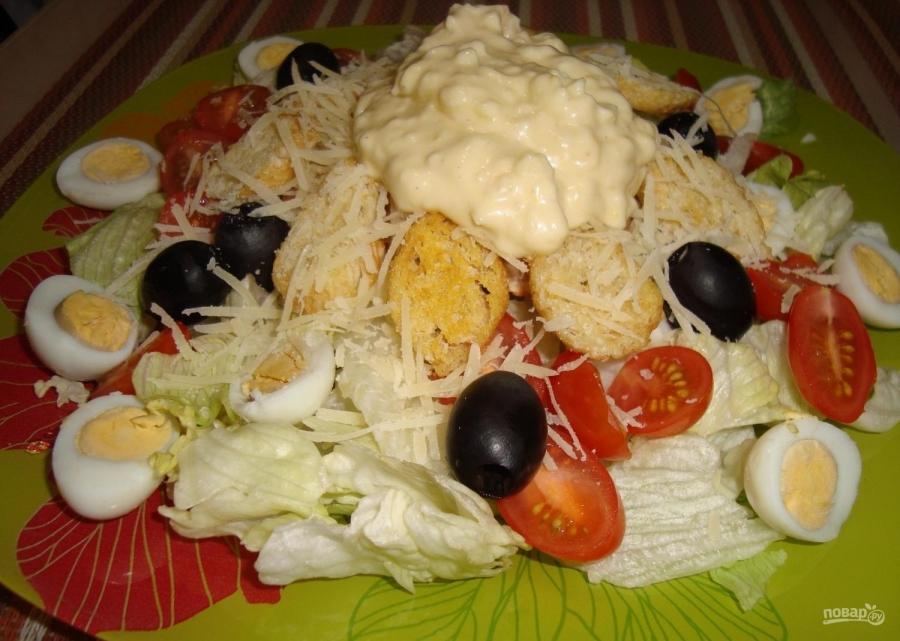 салат из фасоли с курицей с сухариками рецепт