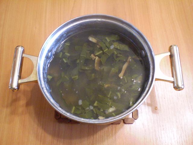 Щавелевый суп с грибами - фото шаг 7