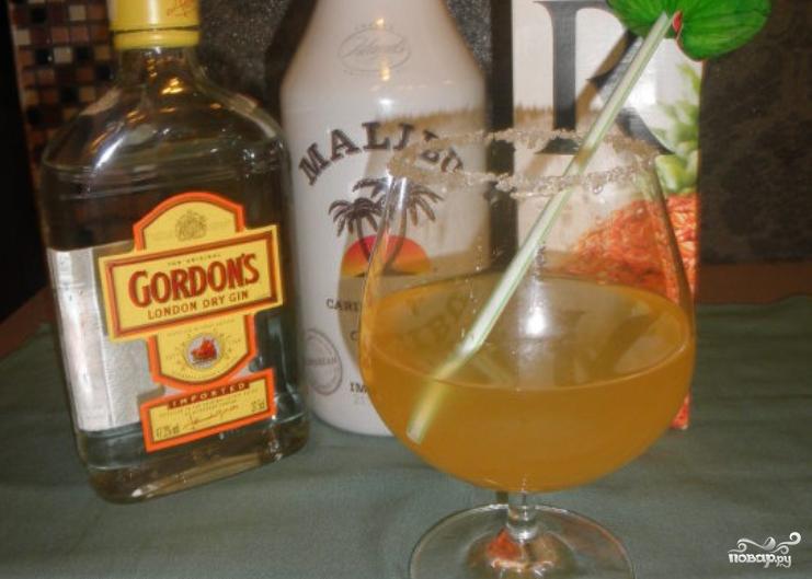 Коктейль с кокосовым ликером - фото шаг 5