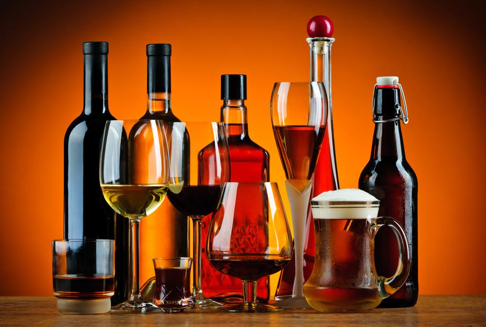 Крепкие напитки: вино, коньяк, бренди, пиво