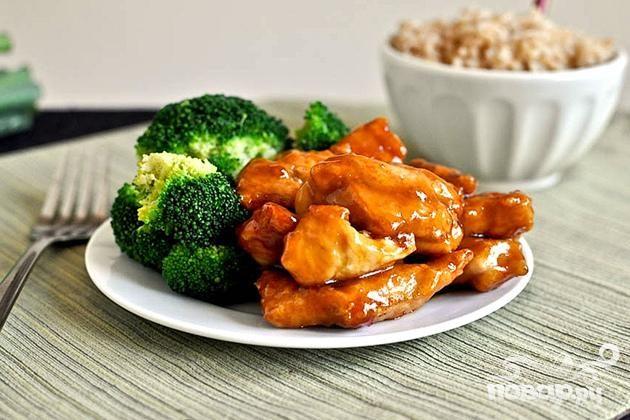 Курица по-азиатски с соусом и рисом