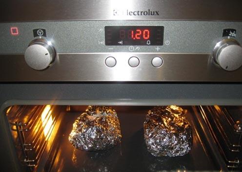 Котлеты в фольге в духовке - фото шаг 15