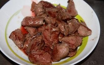 Рецепт Говядина с черносливом в мультиварке