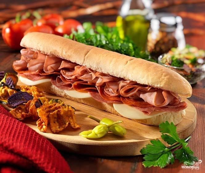 Рецепт Бутерброды с колбасой и помидорами