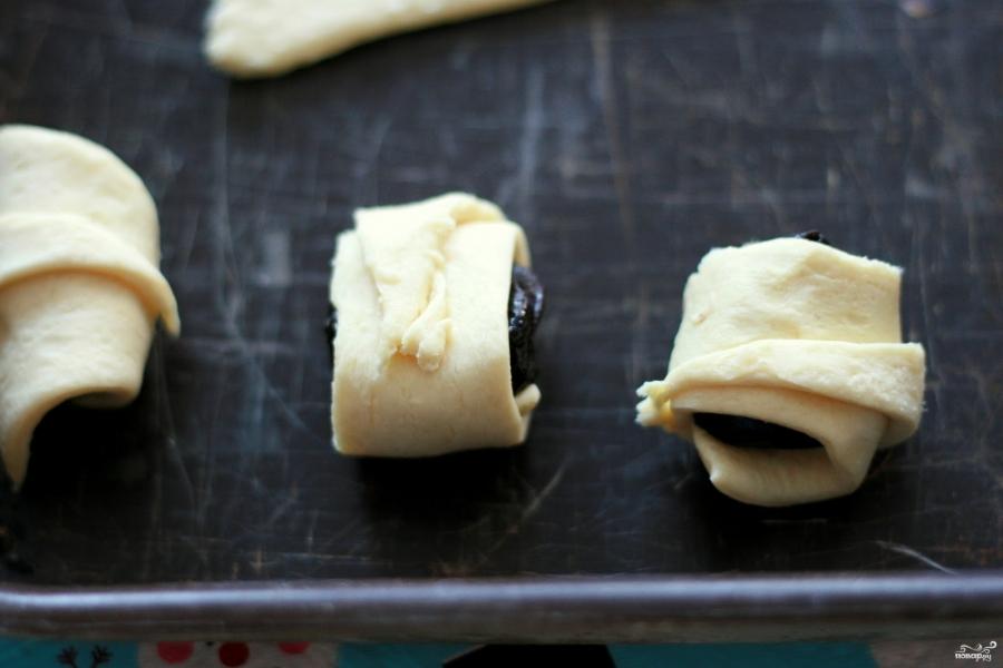 Рогалики с черносливом - фото шаг 5