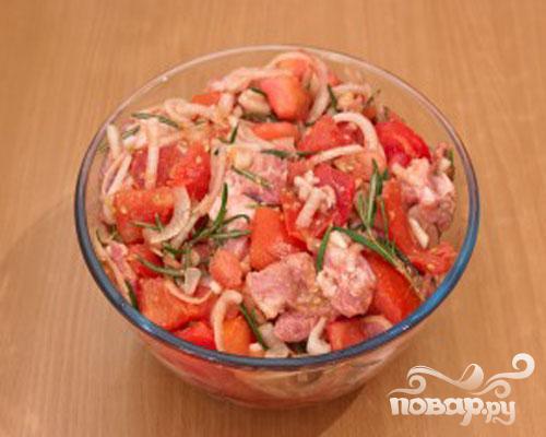 Шашлык из свинины, маринованый в помидорах - фото шаг 5