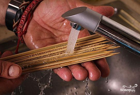 Шашлык из рыбы на шпажках - фото шаг 5