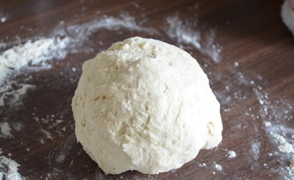 Лепешки на сковороде без дрожжей - фото шаг 2