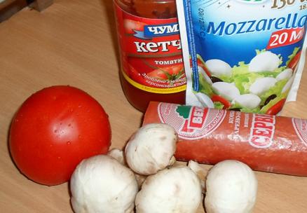 Рецепт Пицца с колбасой, грибами, помидорами и сыром