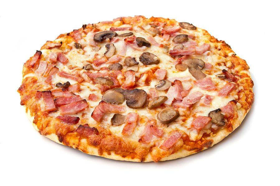 Рецепт Пицца с грибами, колбасой и сыром