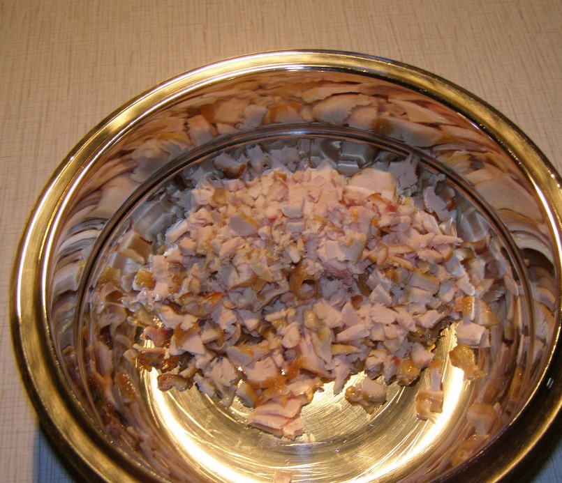 Рецепт Салат с курицей и свеклой