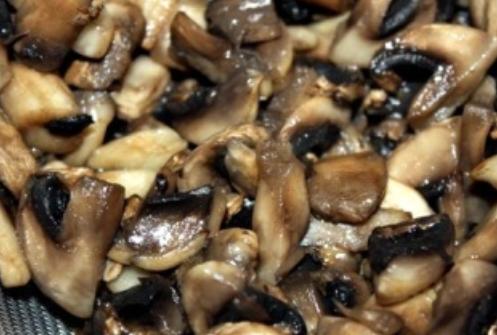 Запеченные баклажаны с грибами - фото шаг 2