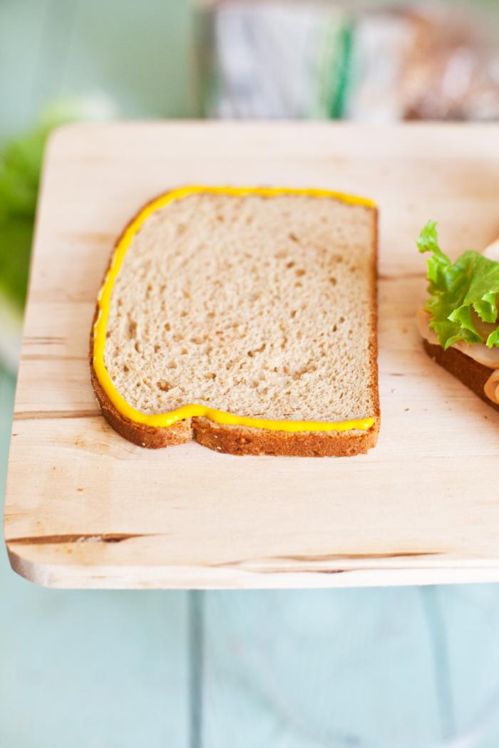 Бутерброды с колбасой на праздничный стол - фото шаг 9