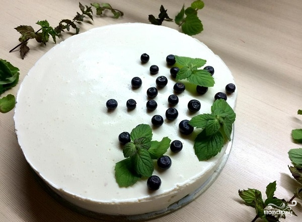 Бисквитно-фруктовый торт без выпечки
