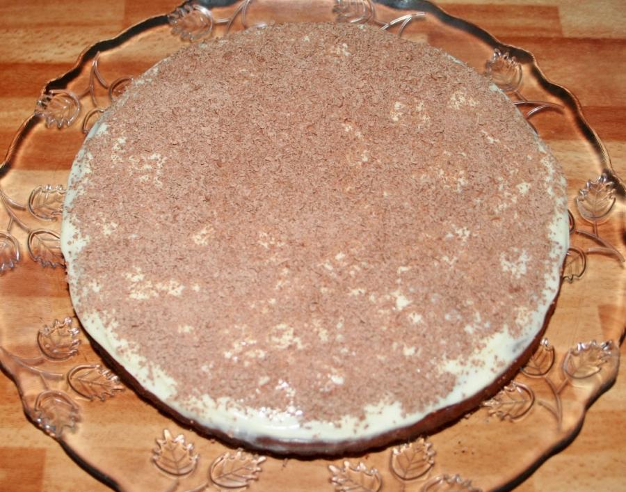 Шоколадный торт с творожно-кокосовыми шариками - фото шаг 9