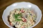 Салат из креветок, грибов и риса