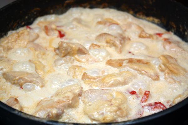 Курица в сливках - фото шаг 3