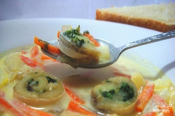 Рецепт Сливочный суп с рыбными рулетиками