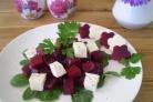 Салат из печеной свеклы с брынзой