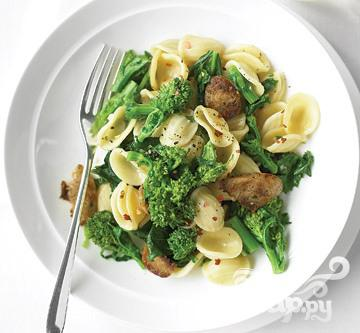 Рецепт Паста с куриными колбасками и брокколи