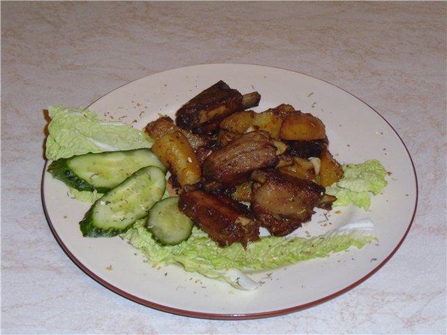 Картофель вкусный с ребрышками в мультиварке - фото шаг 6