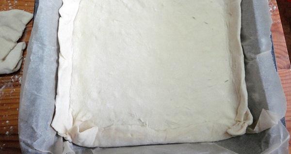 Пирог с грибами из слоеного бездрожжевого теста - фото шаг 6