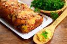 Чесночный хлеб с курицей и песто