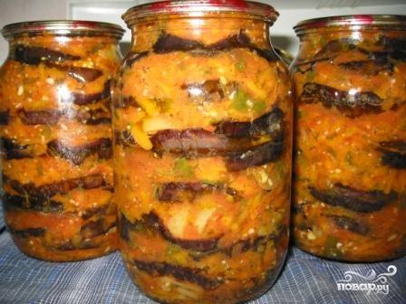 Рецепт: Баклажаны, соленые с чесноком на RussianFood