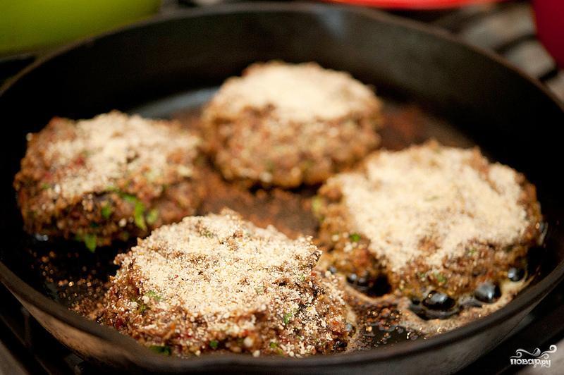 Вегетарианские бургеры с фасолью - фото шаг 6