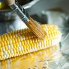 Рецепт Жареная на гриле кукуруза с беконом и сыром