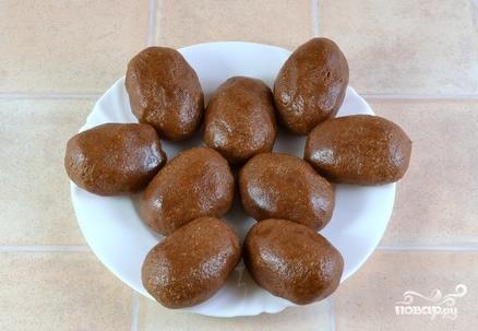 """Пирожное """"Картошка"""" из сухарей и сгущенки - фото шаг 3"""