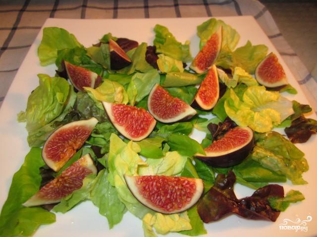 Салат с инжиром и козьим сыром - фото шаг 4