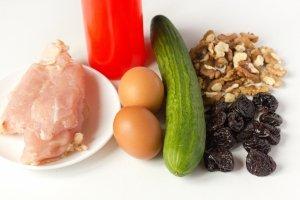 Салат с курицей в креманках - фото шаг 1