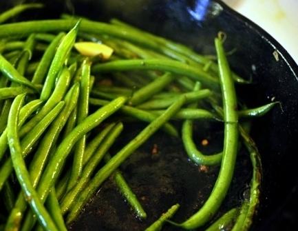 Зеленые бобы - фото шаг 4