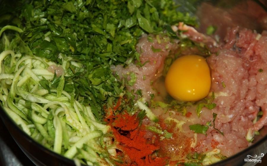 Рецепт Котлеты из индейки с кабачком