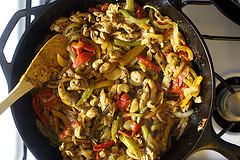 Фахитас с курицей и перцем - фото шаг 6