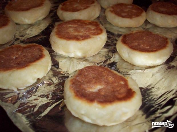 Сырники, запеченные в духовке - фото шаг 5