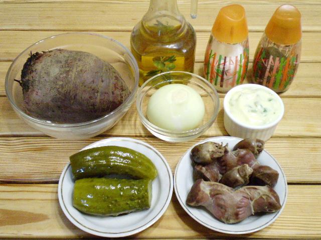 Салат свекольный с сердечками и желудками - фото шаг 2