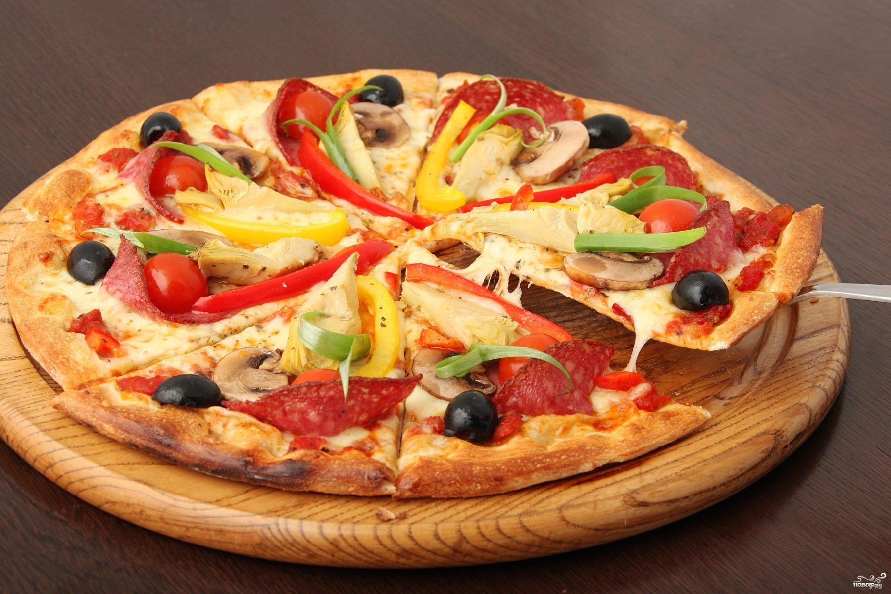 Рецепт Пицца с овощами и колбасой