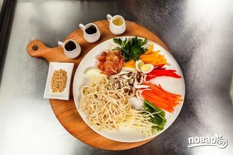 Пшеничная лапша с курицей и овощами - фото шаг 2