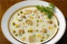Сырный суп с шампиньонами и копченостями