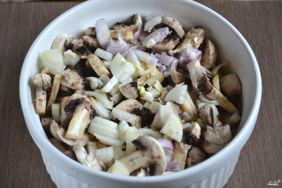 Курица с грибами в духовке - фото шаг 5