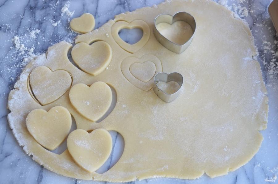 Печенье в виде сердечек - фото шаг 5