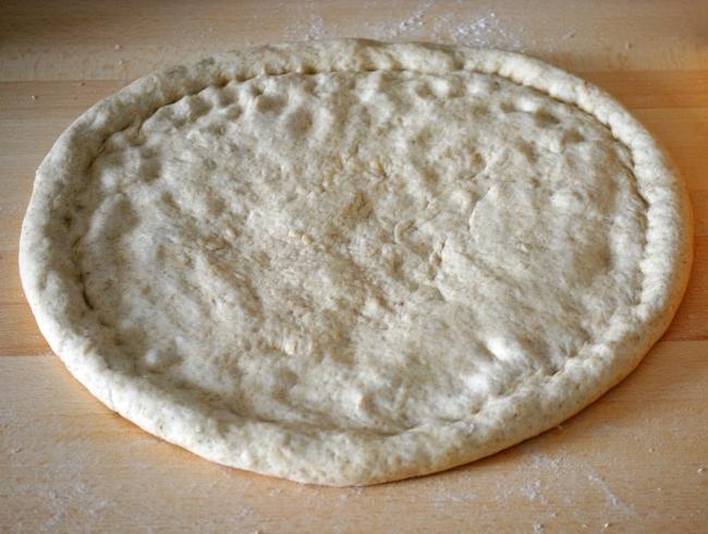 Вегетарианская пицца с грибами - фото шаг 6